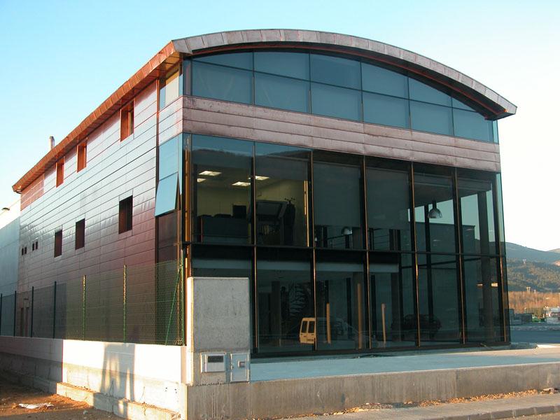 Edificio de oficinas en o barco de valdeorras ourense for Oficinas abanca ourense